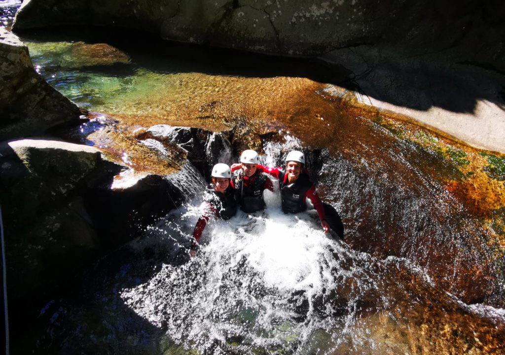 Canyon mini descente, descente canyoning, descente de canyon en Ardèche