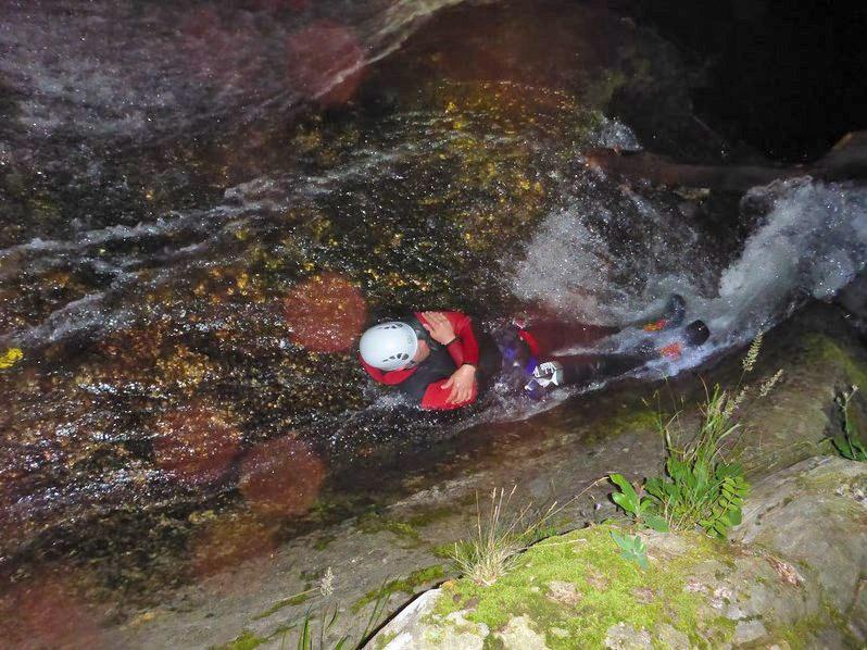 Canyoning et spéléo nocturnes en Ardèche - Canyon de la Besorgues