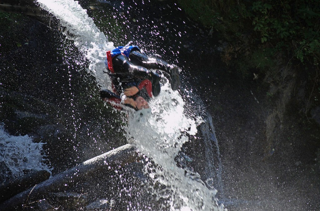 Parcours canyoning en Ardèche Aéro Canyoning Ultra, descente de canyon en Ardèche : Canyon Besorgues