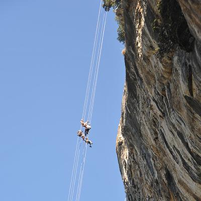 Rappel géant en Ardèche près de Vals les Bains et Aubenas