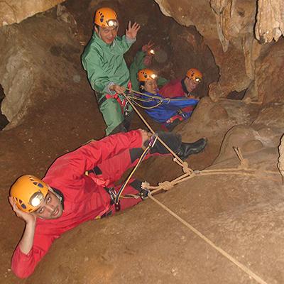 Spéléologie autour d'Aubenas et des grottes des Gorges de l'Ardèche