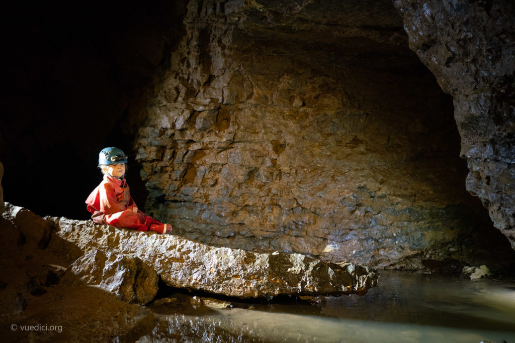 Family discovery caving | Ardèche, an activity to share with your children